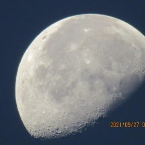 久しぶりに三つの天の月を愛でた。