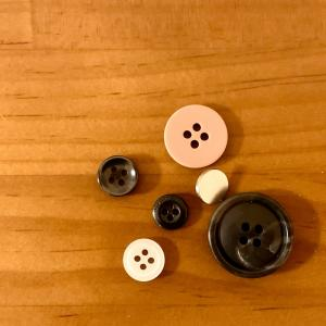 洋服の予備のボタンは セリア×ダイソーで自分にちょうど良い収納