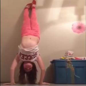 【笑える動画】子供・赤ちゃんのおもしろかわいいハプニング【腹筋崩壊】