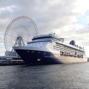 大阪港にセレブリティ・ミレニアムが入港していました