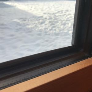 スウェーデンハウスは結露しないって本当?大雪の冬に検証