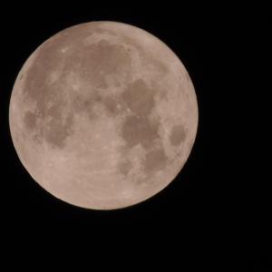 深夜の満月。