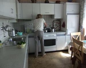 産前産後と義両親が頻繁に遊びに来る。助かることもあるけど義母が世話焼きで、勝手に家のものを使うのが地味に嫌