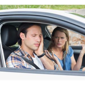 彼氏が頼んでないのに毎回デートに車で来て、駐車場代は割り勘…