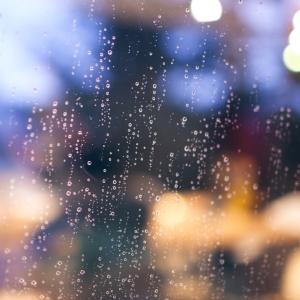 明日雨が降らないといいなぁ〜を英語で♪