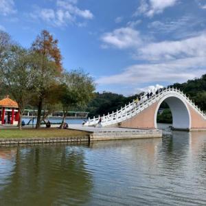 【台湾観光】台北の休日はのんびり公園で散歩!大湖公園