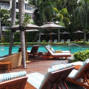 コンラッドバンコク:ホテルスタッフお勧め、屋外広々プールで子供満足!
