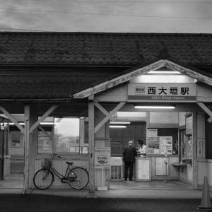 早朝の西大垣駅