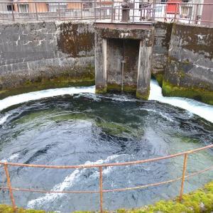 富山の円筒分水槽(その2)