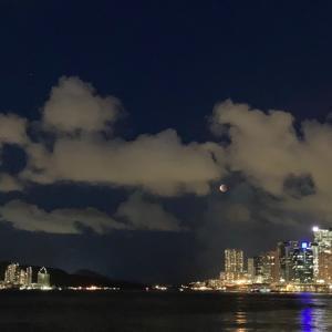 香港から見るスーパームーンと皆既月食2021