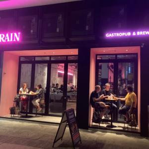 ハーバー沿いの香港クラフトビールバー&レストラン「GRAIN」@ケネディタウン