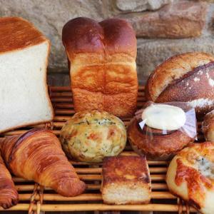 本日26日(火)21:00より通販商品「丘パンのプレミアムセット」のカートをオープンさせていただきます(2020.05.26)