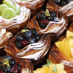 無農薬のブルーベリーのデニッシュ他、フルーツデニッシュを豊富にご用意しています(2020.09.12)