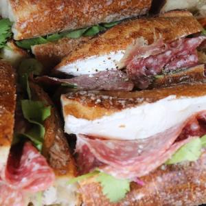 「特製卵サンド」他、バゲットサンド・サンドウィッチ類は10:00~10:30頃からお出し致します(2020.09.19)