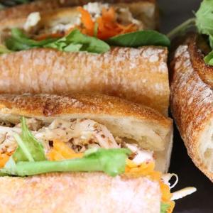 好評いただいております、バゲットサンド・サンドウィッチ類を本日もたくさんご用意しております(2020.10.01)