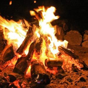 焚き火したい人必見!火起こしのやり方、持ち物、おすすめ料理を徹底的に紹介【初心者向け】