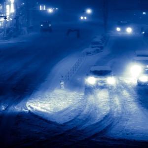 【冬】雪道の運転は注意!知っておきたいポイントと運転のコツ