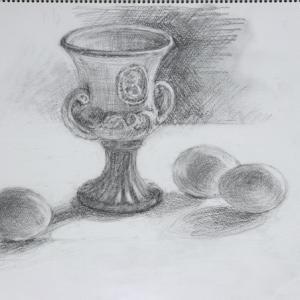 レリーフのカップ