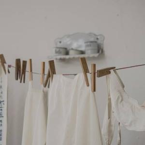 花粉&雨天&夜洗濯の共働きにマストバイ?室内干しの強い味方!除湿器の話
