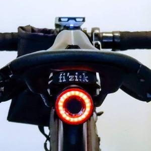 ブレーキランプ機能搭載テールライト『XLite 100』レビュー