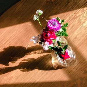 ミニマリストが部屋に大好きなお花を飾る、深ーい意味。