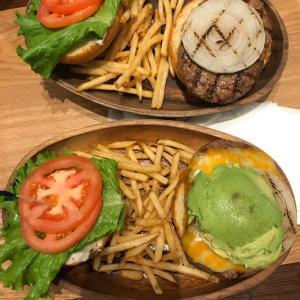 横浜来たらランチはここ!美味いねー、コスパ最高のハンバーガーだね