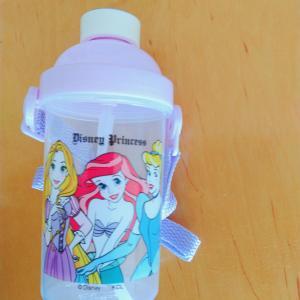【百均】セリアのワンタッチストローマグ(プリンセス水筒)