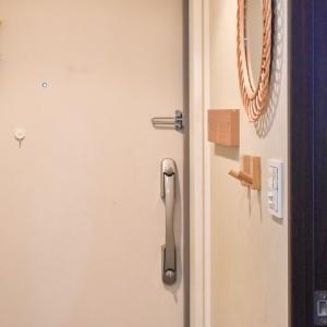【無印良品】壁に付けられるフックで、コロナ禍での玄関収納を快適に。