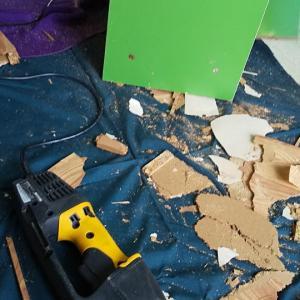 解体作業と昼は各自で。