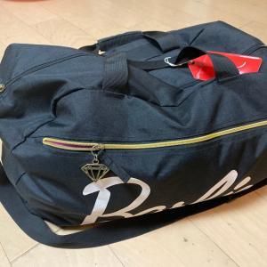 修学旅行生の、中身が見やすいボストンバッグの使い方