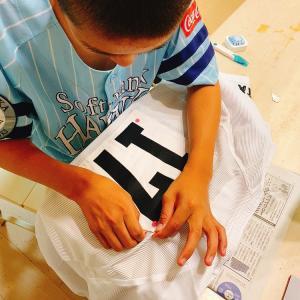 成長した中1男子の背番号の縫い付け