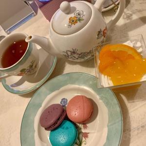 アリスとお茶会をする。