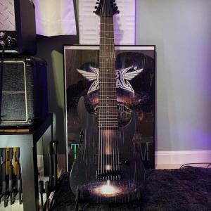 MEGMETALさん「待ちに待ったBABYMETALとのコラボモデルの9弦ギター」