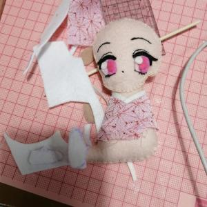 フエルトで鬼滅の刃の禰豆子人形作りました。