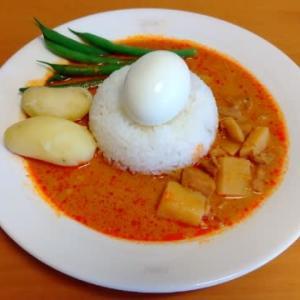 昼食はスリランカカリー