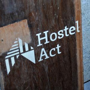 豊岡市千代田町ふれあい公設市場にゲストハウス「Hostel Act」とちょい飲みご飯「もりめ食堂」がオープンしたよ!