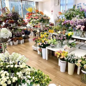 花材購入は遠足気分