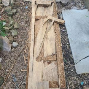 裏庭の板の処分