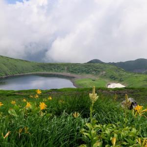鳥海山 鳥海湖へハイキング