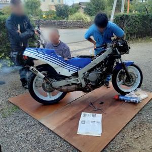 甦った旧いバイク