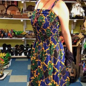 第10カ国目ウガンダ入国!可愛いアフリカの服をお買い物