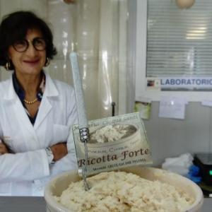 レッチェ郊外の手づくりチーズのマッセリア