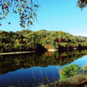 秋の富里湖(北海道北見市)