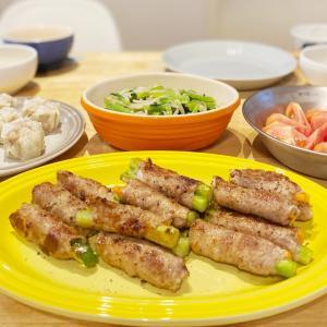 *【おうちごはん】野菜の肉巻きとカルディ品で作ったランチ*