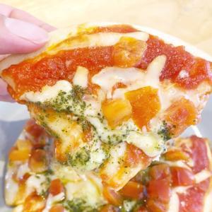 *【コンビニ】ファミマの冷凍ピザがモッチモチ!カリッカリで美味!