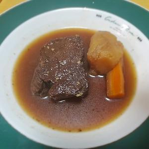 ジビエの王道、モミジ肉(鹿肉)ロースは煮込み料理に