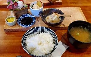 三室戸でほっこりと和食ランチを『創作料理つくし処 食う菜』