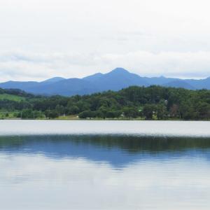 白い空、白い湖。