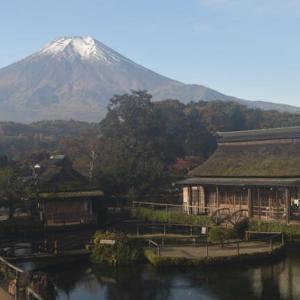 富士山も雪景色に!