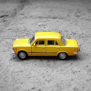 黄色い車を見る。という実験。